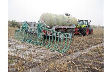 Tanks for spreading liquid fertilizer