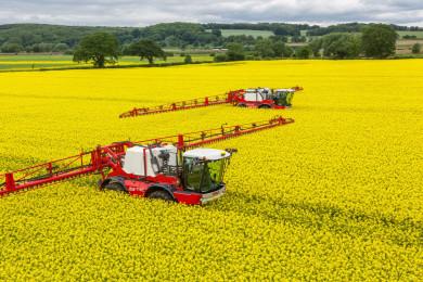 Високотехнологичните пръскачки Agrifac в партньорство с Тайтън Машинъри България.