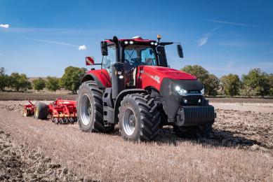 Тракторът Case IH Magnum AFS Connect бе представен предпремиерно в България!